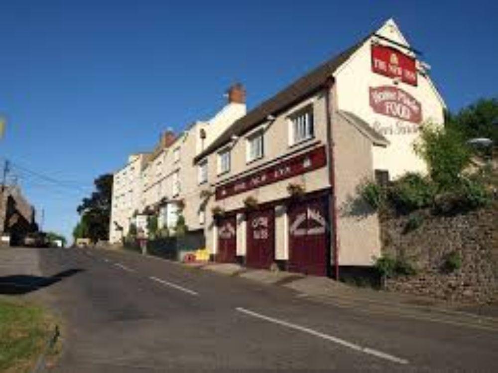 New Inn at Cross Pub and Restaurant